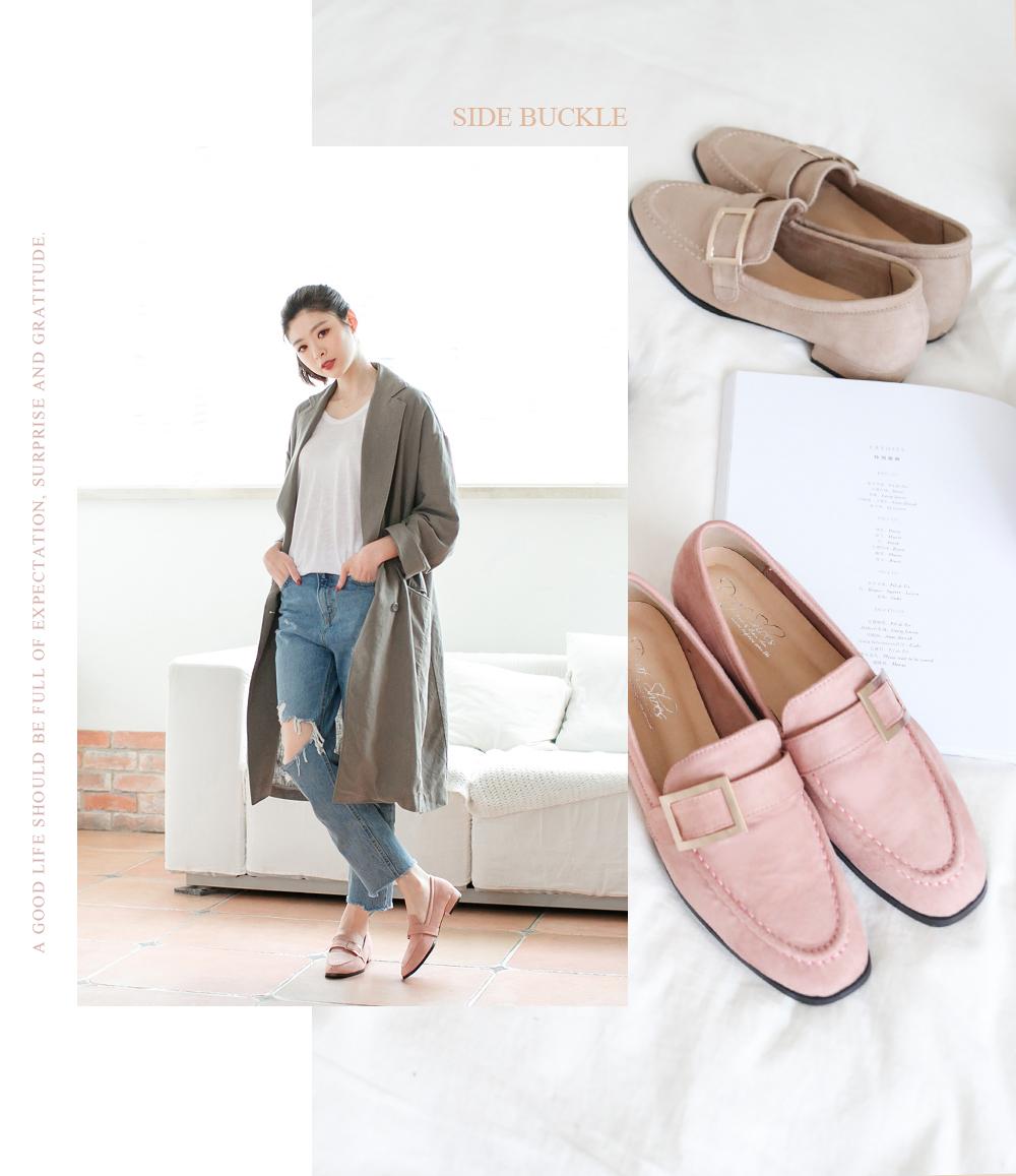 粉紅色的經典款馬銜釦樂福鞋穿搭照